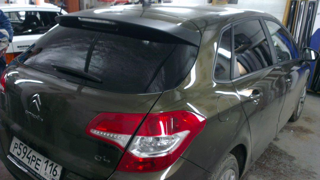Тонировка стекол автомобилей Ford Focus и Citroen C4 пленкой Johnson Ceramics