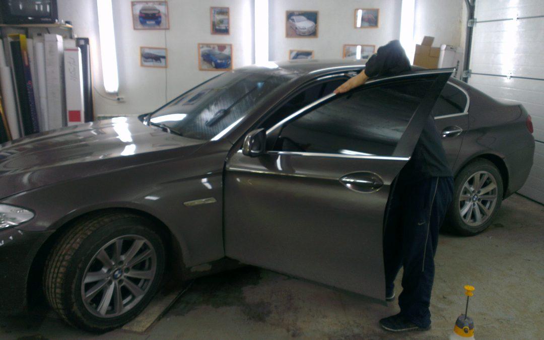 Тонировка автомобилей BMW 520, Opel Astra J, Nissan Tiida