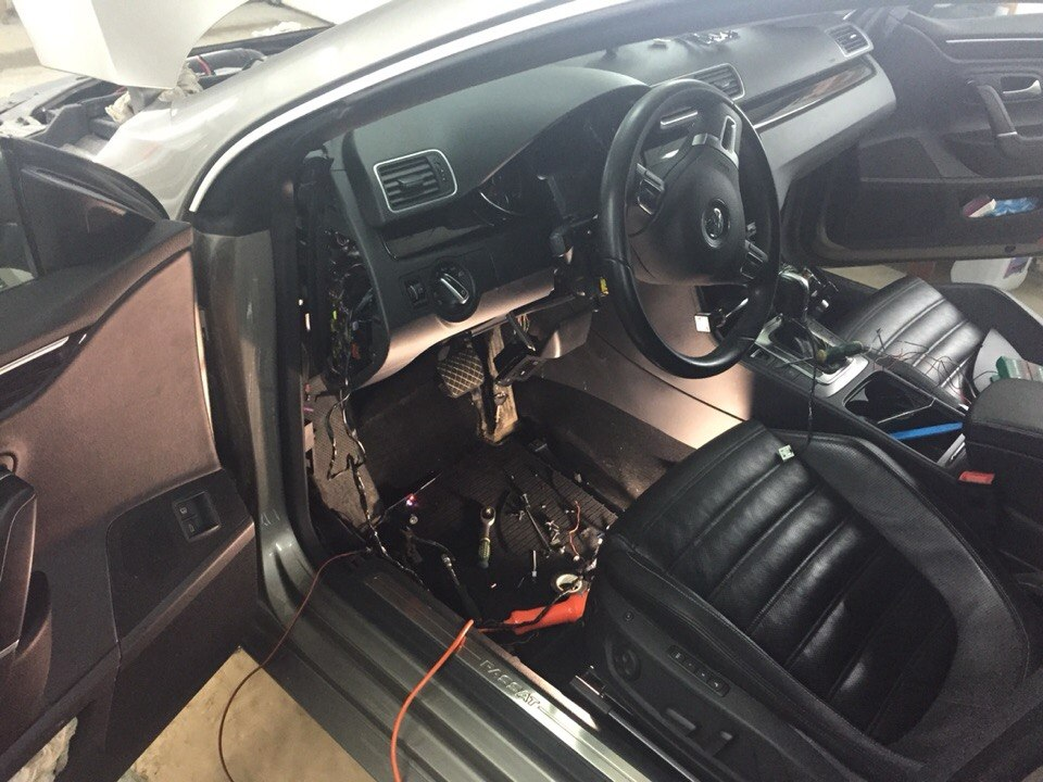 Установка сигнализации с автозапуском Starline A 94 на Volkswagen Passat CC