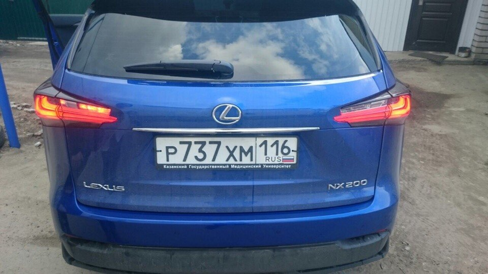 Тонировка задних стекол автомобиля пленкой Jonson — Lexus NX 200