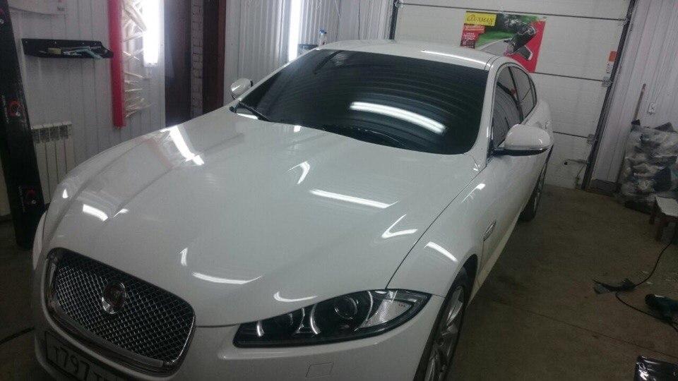 Тонировка лобового стекла 65% и передних боковых стекол 95% пленкой SunControl — Jaguar XF