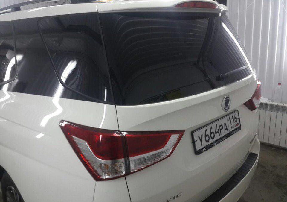 Тонировка задних стекол 95% передние 50% пленкой Sun Control — SsangYong Stavic
