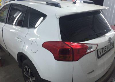 Тонировка задних стекол 95% Sun Control лобовое стекло 10% хамелеон на Toyota Rav 4