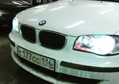 Установка ксенона Maxlight 5000 на ближний свет фар на BMW 1