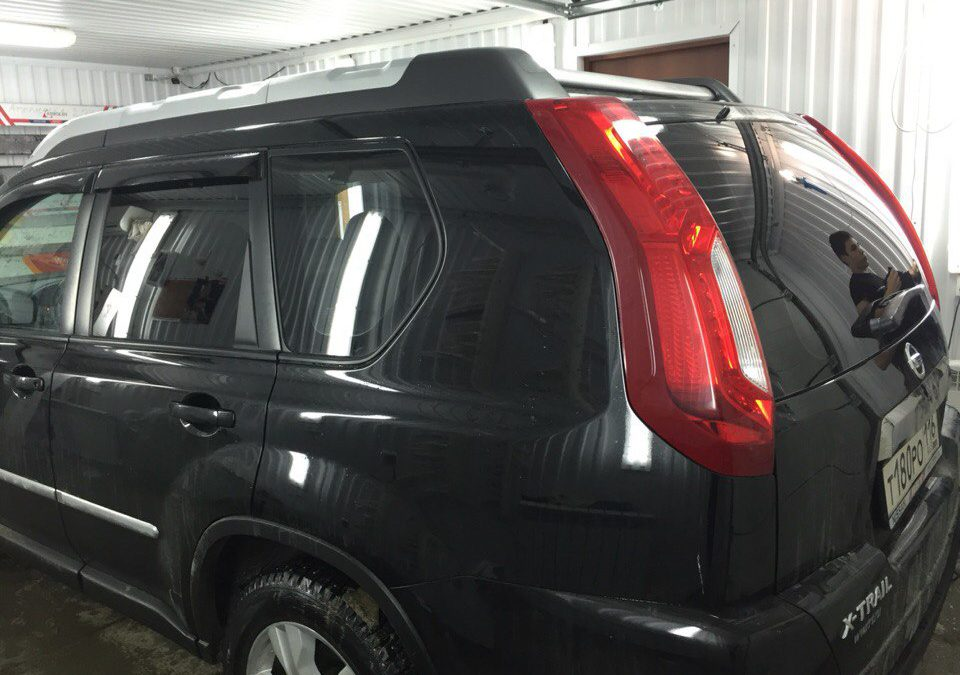 Тонировка задних стёкол 95% пленкой Johnson — Nissan X-Trail