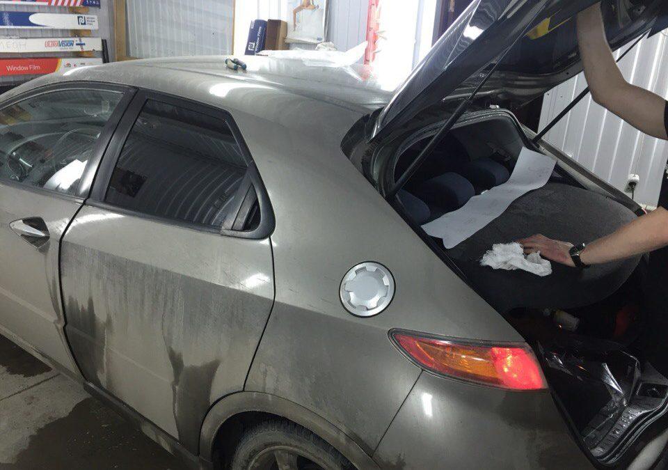 Тонировка задних стёкол 95% пленкой Johnson — Honda Civic
