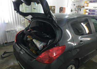 Тонировка задних стёкол 95% пленкой Johnson — Peugeot 308