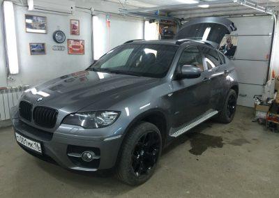 Тонировка автомобиля BMW X6 пленкой Johnson, задние 95%, передние 30%