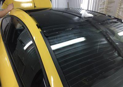 Оклейка крыши в чёрный глянец пленкой KPMF Premium — Opel Astra GTS