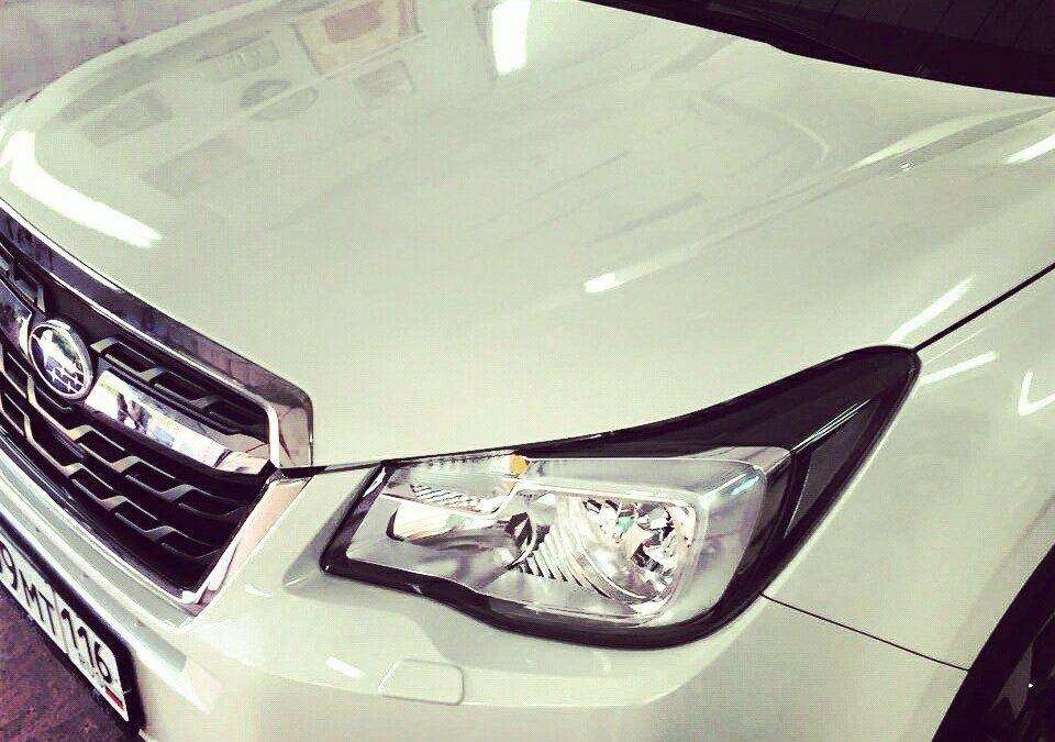 Бронирование капота и бампера автомобиля полиуретановой пленкой на автомобиле Subaru Forester