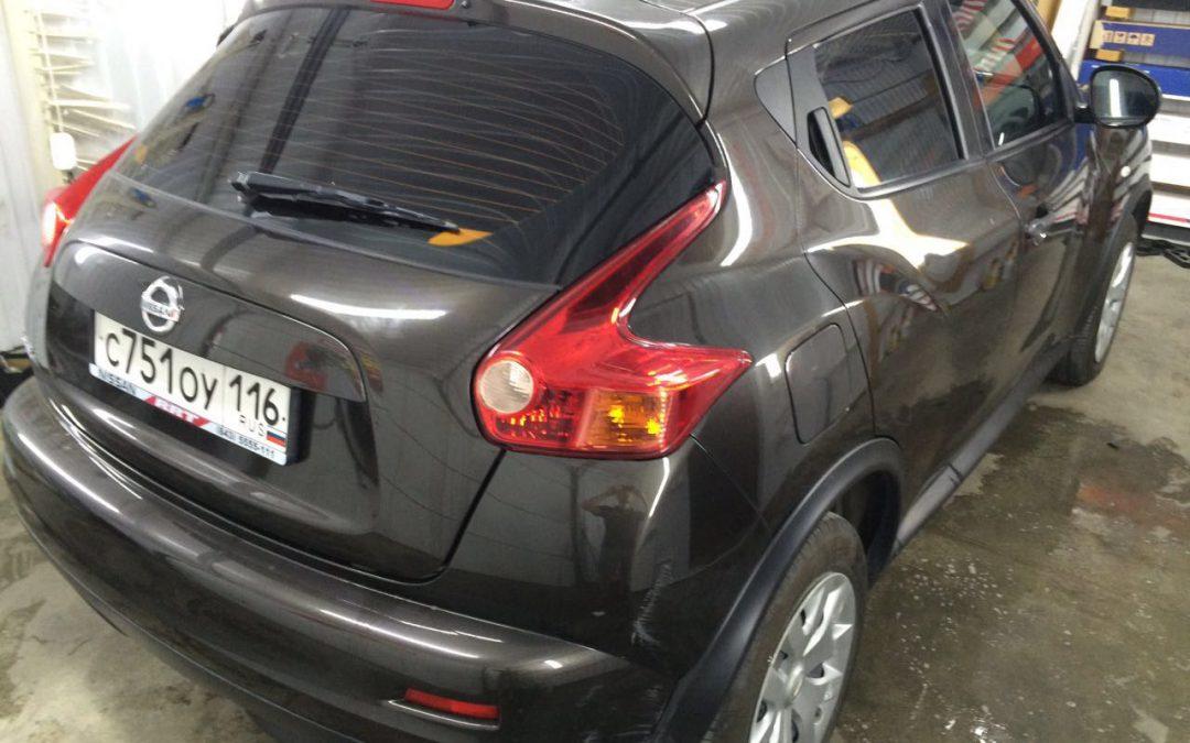 Тонировка задних стёкол пленкой LLumar 95% — Nissan Juke