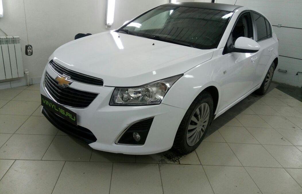 Оклейка кузова белой глянцевой немецкой пленкой — Chevrolet Cruze