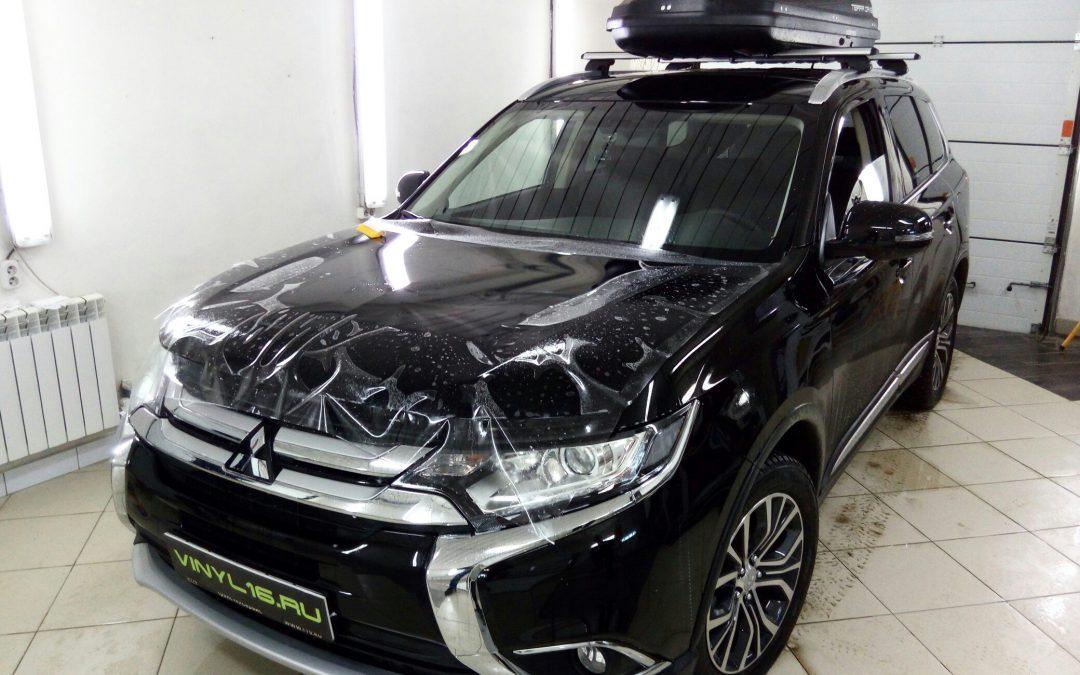 Бронирование кузова автомобиля антигравийной пленкой — Mitsubishi Outlander