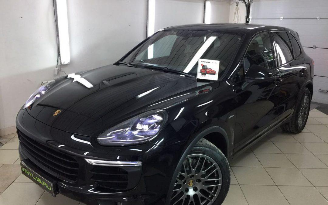 Бронирование кузова Porsche Cayenne S полиуретановой плёнкой Hexis Bodyfence & установка сигнализации Pandora