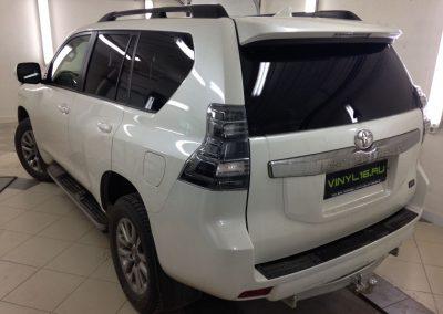 Тонировка задних стёкол пленкой LLumar 95% — Toyota Land Cruiser Prado