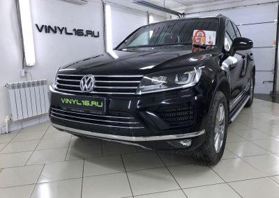 Внедорожник Volkswagen Touareg получил полную защиту антигравийной плёнкой и установку автосигнализации StarLine A93