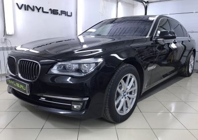 Тонировка задних стёкол плёнкой Johnson 95% и бронирование фар — BMW 750Li