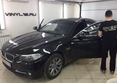 Тонировка задних стёкол плёнкой Johnson 95% и бронирование зон под ручками  — автомобиль BMW 528i
