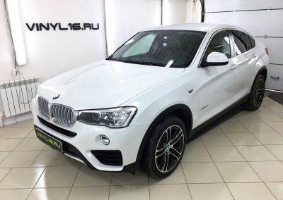 BMW X4 получил мощную защиту полиуретановой плёнкой Hexis Bodyfence и тонировку задних стёкол пленкой LLumar 95%