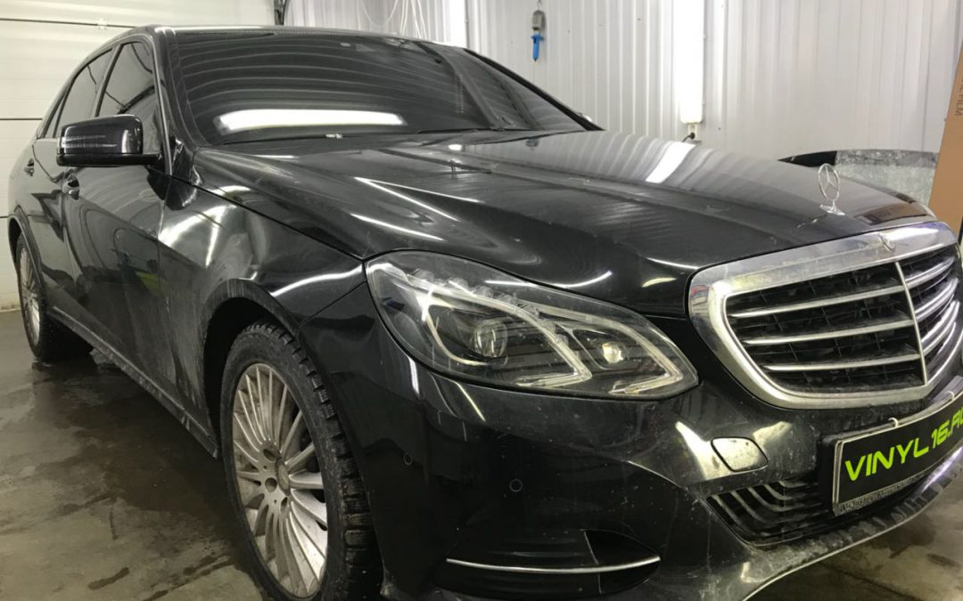 Тонировка стёкол плёнкой Johnson 95% — автомобиль Mercedes-Benz E250