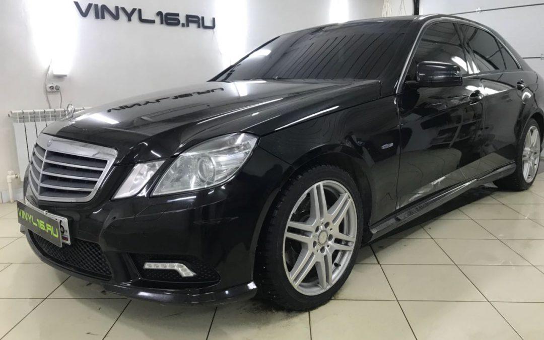 Тонировка стёкол плёнкой Johnson 95% — автомобиль Mercedes-Benz E Class