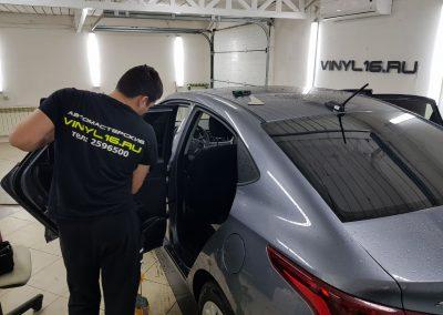 Установка сигнализации Starline A93, установка парктроников ParkMaster и тонировка стёкол плёнкой премиум класса Johnson 95% — Hyundai Solaris,