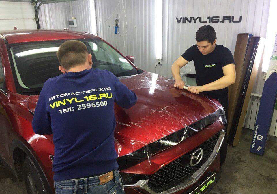 Бронирование капота антигравийной пленкой и тонировка задних стёкол пленкой LLumar 95% — Mazda CX-5