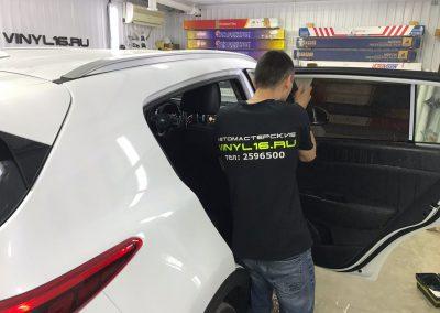 Комплексное бронирование кузова антигравийной пленкой, тонировка стёкол плёнкой Johnson 95% — Kia Sportage