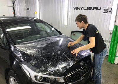 Бронирование передней части кузова антигравийной плёнкой — автомобиль Kia Cerato