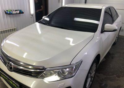 Тонировка всех стёкол плёнкой NDFOS 95% — автомобиль Toyota Camry