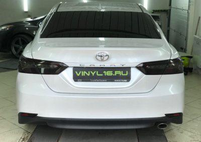 Тонировка задней оптики — Toyota Camry