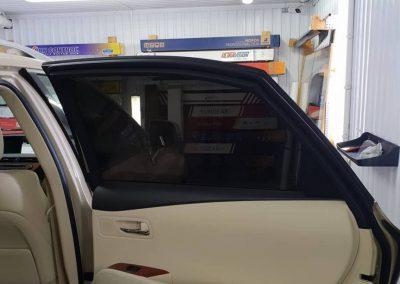 Тонировка задних стекол автомобиля пленкой Johnson 95% — Lexus RX300