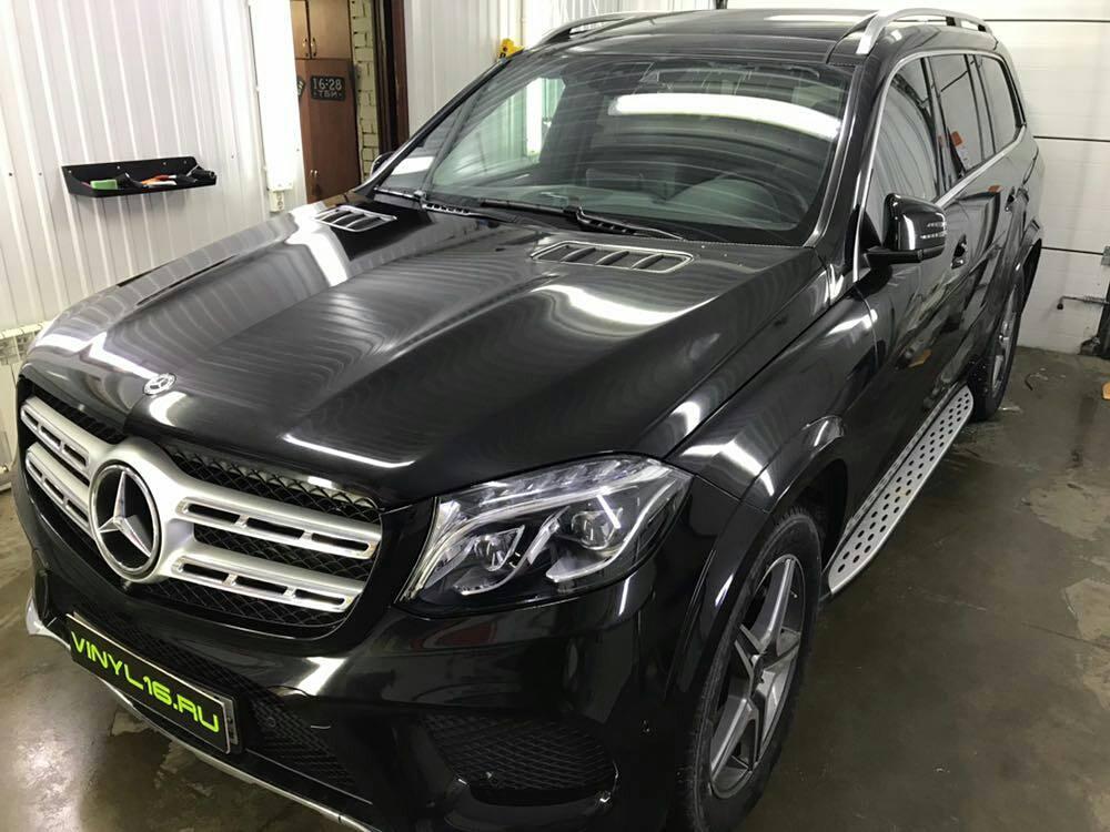 Комплексное бронирование кузова антигравийной плёнкой и Тонировка передний части атермальной плёнкой Armolan 20% — автомобиль Mercedes