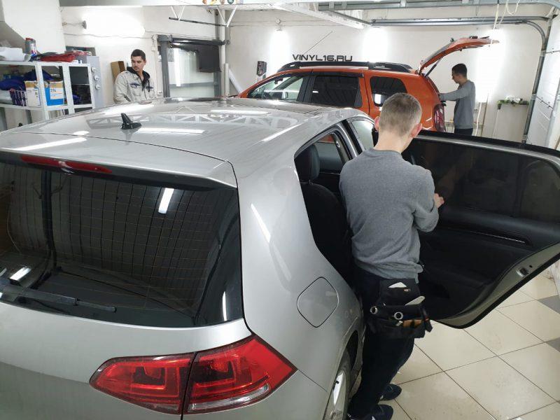Затонировали заднюю часть плёнкой SunTek 95% на автомобиле Volkswagen Golf