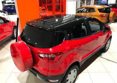 Оклеили крышу в чёрную глянцевую пленку KPMF Premium — Ford EcoSport