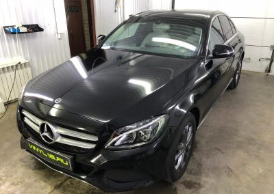 Забронировали шикарный автомобиль Mercedes C  класса полиуретановой плёнкой Hexis Bodyfence