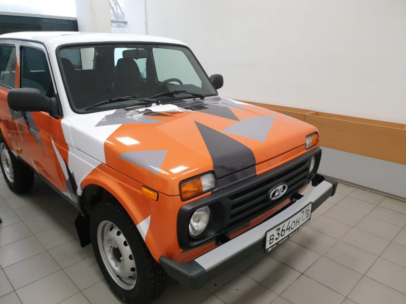 Комплекс работ по оклейке автомобиля — Lada 4×4