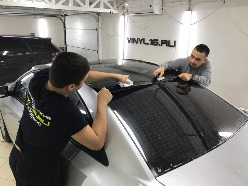 Оклейка крыши черной глянцевой плёнкой KPMF-Premium — Chevrolet Cruze