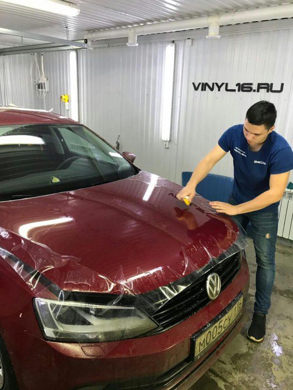 Бронирование капота антигравийной плёнкой и зон под ручками в подарок🔥- автомобиль Volkswagen Jetta