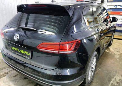 Затонировали заднюю часть плёнкой ShadowGuard 95%, тонировка передних стёкол плёнкой ShadowGuard 50% — автомобиль Volkswagen Touareg