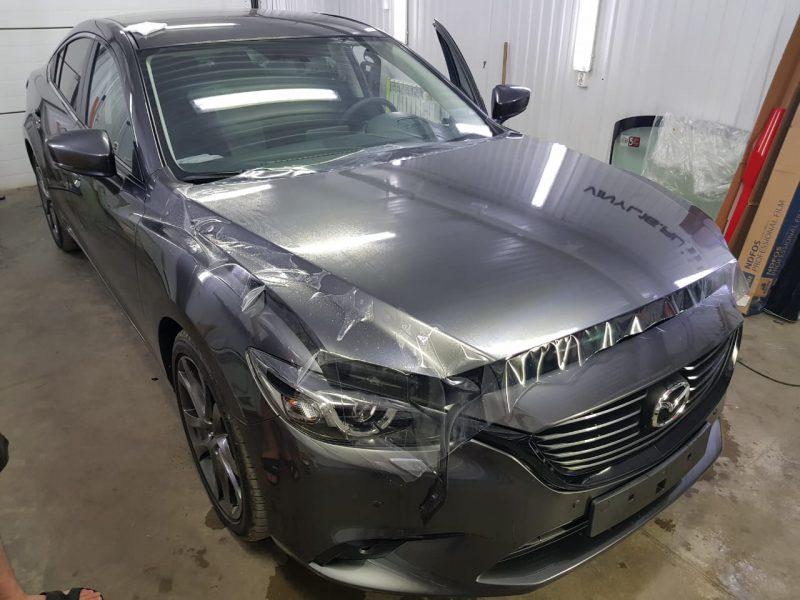 Забронировали капот и два передних крыла антигравийной плёнкой — автомобиль Mazda 6