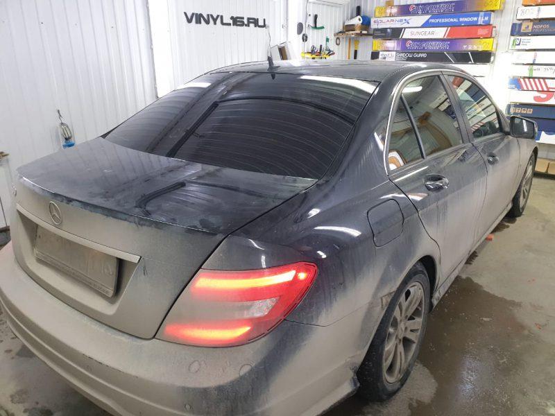 Затонировали заднюю часть плёнкой SunTek — автомобиль Mercedes C180