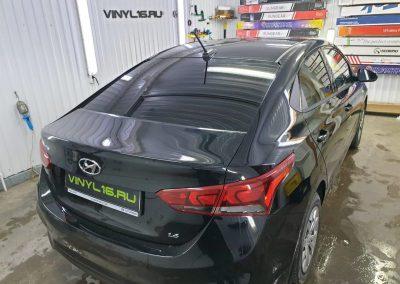 Затонировали заднюю полусферу металлизированной плёнкой ShadowGuard 95% — автомобиль Hyundai Solaris