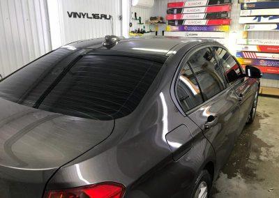 Затонировали заднюю полусферу плёнкой премиум класса с отличной видимостью SunTek 95% — автомобиль BMW