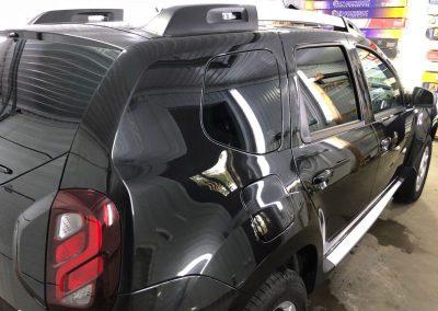Комплексное бронирование кузова антигравийной плёнкой, тонировка задней части плёнкой премиум класса LLumar 95% — автомобиль Renault Duster