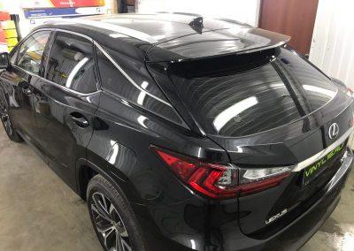 Затонировали заднюю полусферу плёнкой премиум класса с отличной видимостью UltraVision 95% — автомобиль Lexus