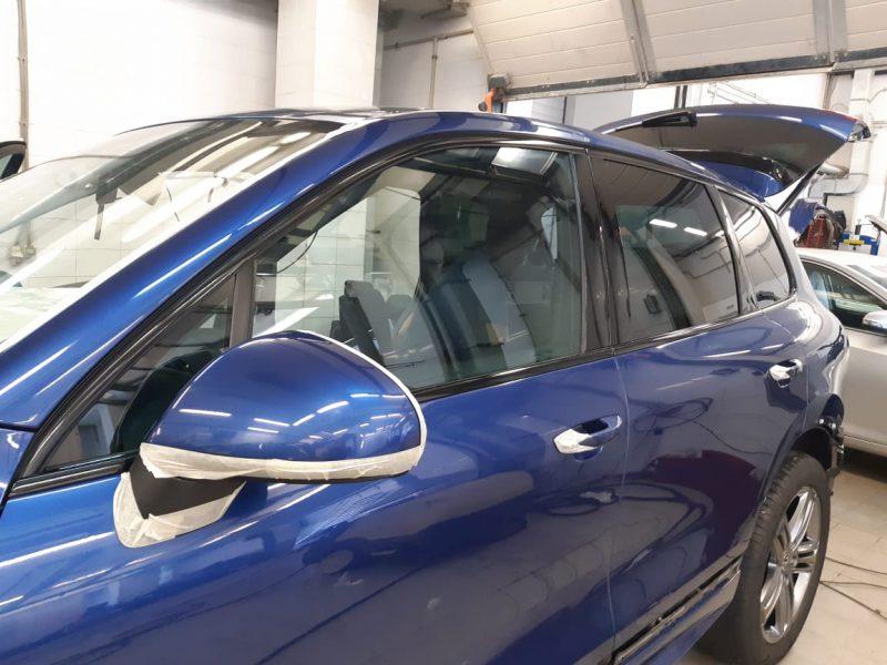 Оклейка хрома плёнкой супер глянец Oracal970 — автомобиль Volkswagen Touareg
