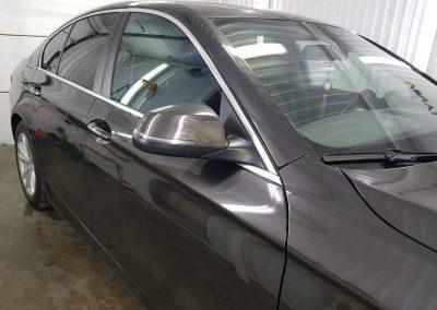 Затонировали переднюю полусферу атермальной плёнкой премиум класса с отличной видимостью Armolan20% автомобиль BMW