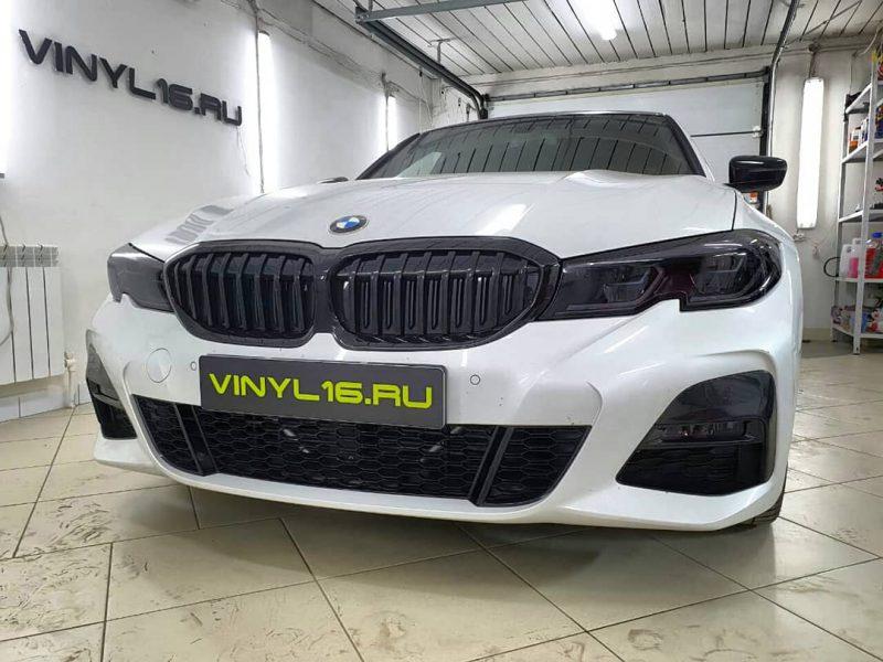 Новая BMW 320 — оклейка фонарей полиуретановой пленкой Stek