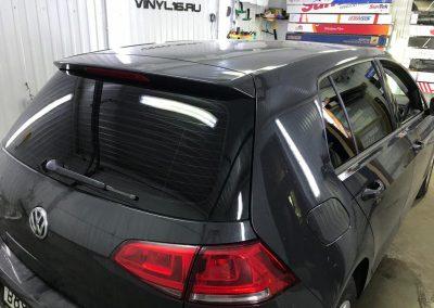 Затонировали заднюю полусферу плёнкой с отличной видимостью NDFOS 95% автомобиль Volkswagen Golf